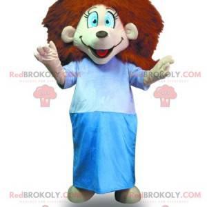Ragazza mascotte con i capelli rossi con una vestaglia -
