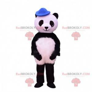 Mascota panda blanco y negro con un sombrero azul -