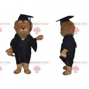 Mascota del león marrón vestida como un joven graduado. Traje