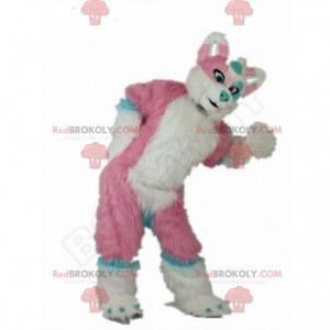 Fato de cachorro rosa, azul e branco, gigante e todo peludo -