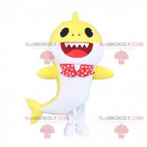 Fato de tubarão amarelo e branco com gravata borboleta -