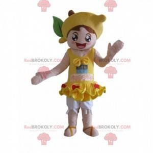 Mädchenmaskottchen mit einer Zitrone auf ihrem Kopf