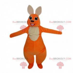 Mascote canguru laranja e branco com uma grande barriga -