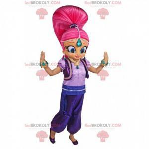 Menina mascote com grande cabelo rosa em roupa oriental -