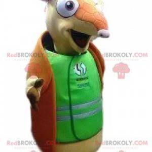 Gürteltier-Maskottchen mit einem grünen Hemd zur Unterstützung