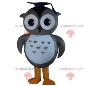 Mascot gray and white owls with his chef's hat - Redbrokoly.com