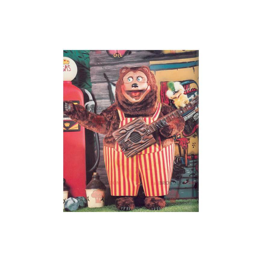 Großes Braunbärenmaskottchen mit rotem und gelbem Overall -