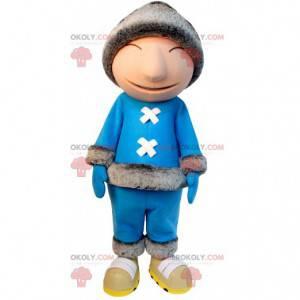Inuit-Maskottchen in blauem Outfit und Pelzmütze -