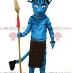 Blaues einheimisches Kriegermaskottchen mit seinem Speer -