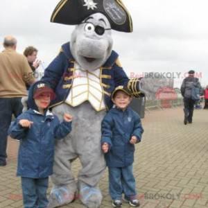 Mascote golfinho cinza vestido com fantasia de pirata -