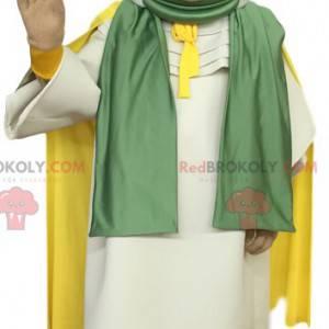 Mascota de la mujer tuareg con un hermoso paño blanco -