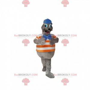 Graues Siegelmaskottchen mit blauer Kappe. Siegelkostüm -