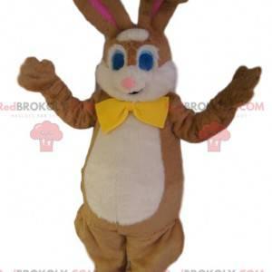Maskot hnědého králíka se žlutým motýlkem. - Redbrokoly.com