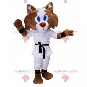 Fuchsmaskottchen im Karate-Outfit und schwarzem Gürtel. -