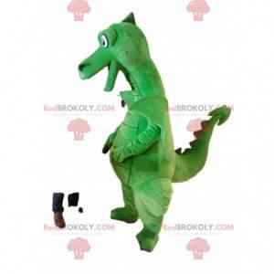 Mascote do dragão verde super sorridente. Fantasia de dragão -