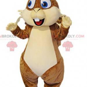 Mascote esquilo marrom muito feliz com grandes olhos azuis -