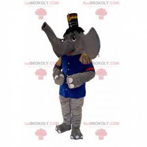 Mascota elefante gris en traje de banda de música, con sombrero