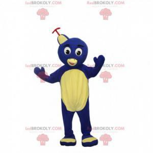 Fröhliches kleines blaues Pinguin-Maskottchen. Pinguinkostüm -