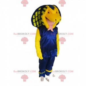 Gelbes Kobra-Schlangenmaskottchen im blauen Outfit.