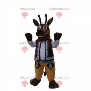 Mascota de gamuza marrón con su traje tradicional -