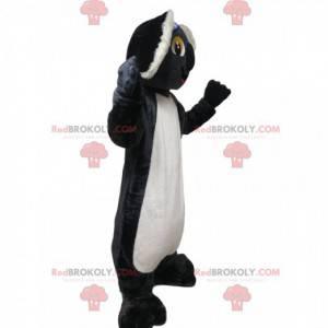 Mascote coala cinza e branco com orelhas grandes -
