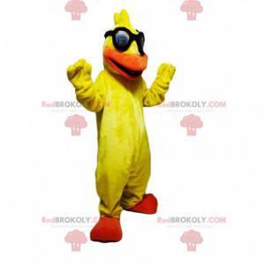 Mascote pato amarelo muito divertido com óculos de sol -