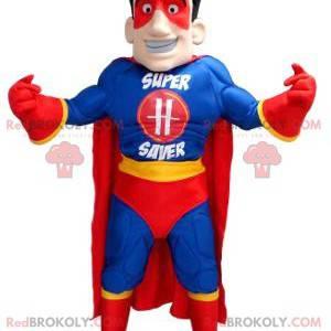 Mascota de superhéroe en traje azul amarillo y rojo -