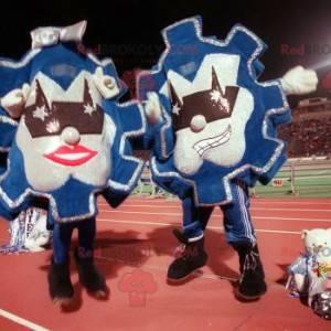 2 maskoter med blå og sølv vimpler - Redbrokoly.com