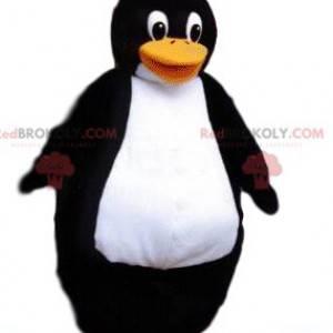 Mascota de pingüino muy fornido con una gran sonrisa -