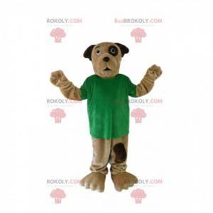 Braunes Hundemaskottchen mit einem grünen T-Shirt -