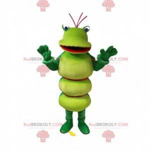 Maskottchen grüne Raupe mit einem schönen Lächeln -