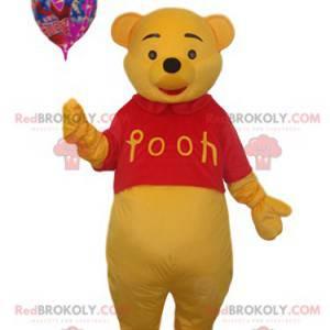 Winnie the Pooh maskot med en bold - Redbrokoly.com