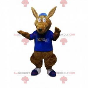 Mascotte canguro marrone con una maglia blu - Redbrokoly.com