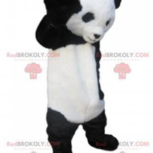Zwart-witte panda-mascotte met een ontroerende blik. -