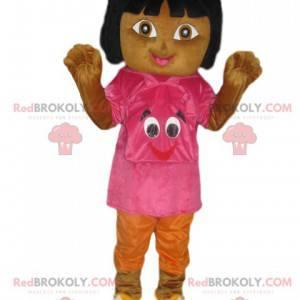 Mascote Dora the Explorer com uma t-shirt e uma mochila fúcsia
