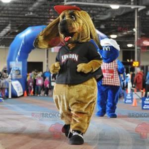 Maskot hnědý pes baset v sportovní oblečení - Redbrokoly.com