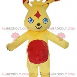 Maskot malý žlutý a červený králík s ošklivým pohledem -