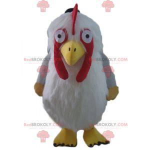 Obří a chlupatý maskot červené a žluté bílé slepice -