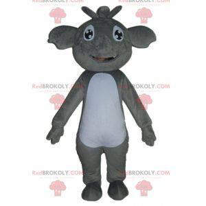 Mascote coala gigante e sorridente cinza e branco -