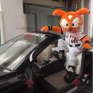 Oranžový králík kočka maskot v sportovní oblečení -