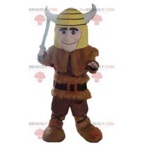Mascota vikinga en piel de animal con casco amarillo -