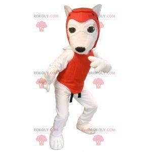 Biała maskotka psa w stroju taekwondo - Redbrokoly.com