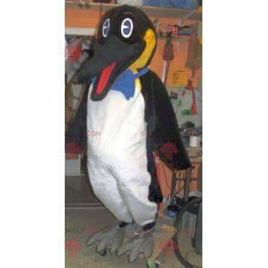 Very realistic penguin mascot - Redbrokoly.com