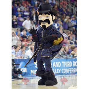 Schnurrbart Musketier Maskottchen in schwarz gekleidet -