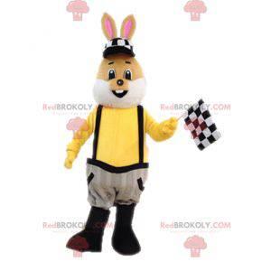 Brązowy i biały królik maskotka ubrany w kombinezon -