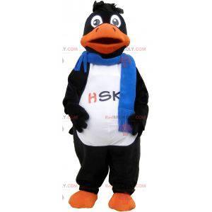 Schwarzes Entenmaskottchen, das einen blauen Schal trägt -