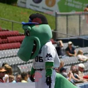 Zelený krokodýlí maskot v bílém hokejovém oblečení -
