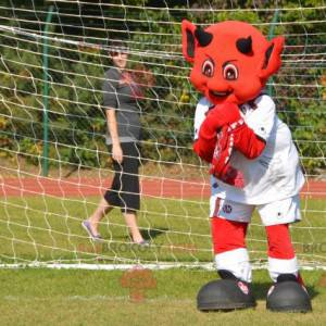 Červený ďábel maskot imp ve sportovním oblečení - Redbrokoly.com