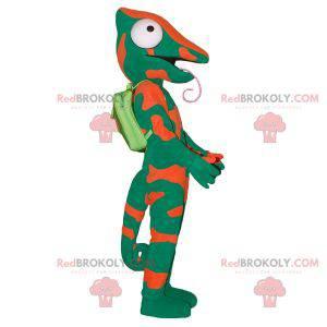 Maskot zelený a oranžový chameleon s velkým jazykem -