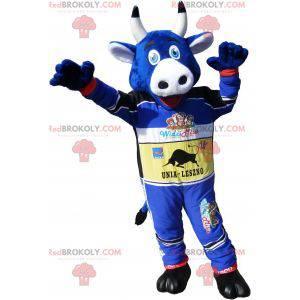 Maskotka niebieska krowa w stroju samochodu wyścigowego -